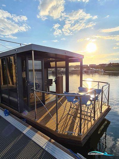 Campi 300 Houseboat