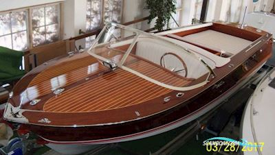 Motor boat Cranchi