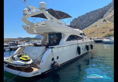 Motor boat Dominator 620 Fly