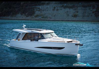 Motor boat Greenline 39