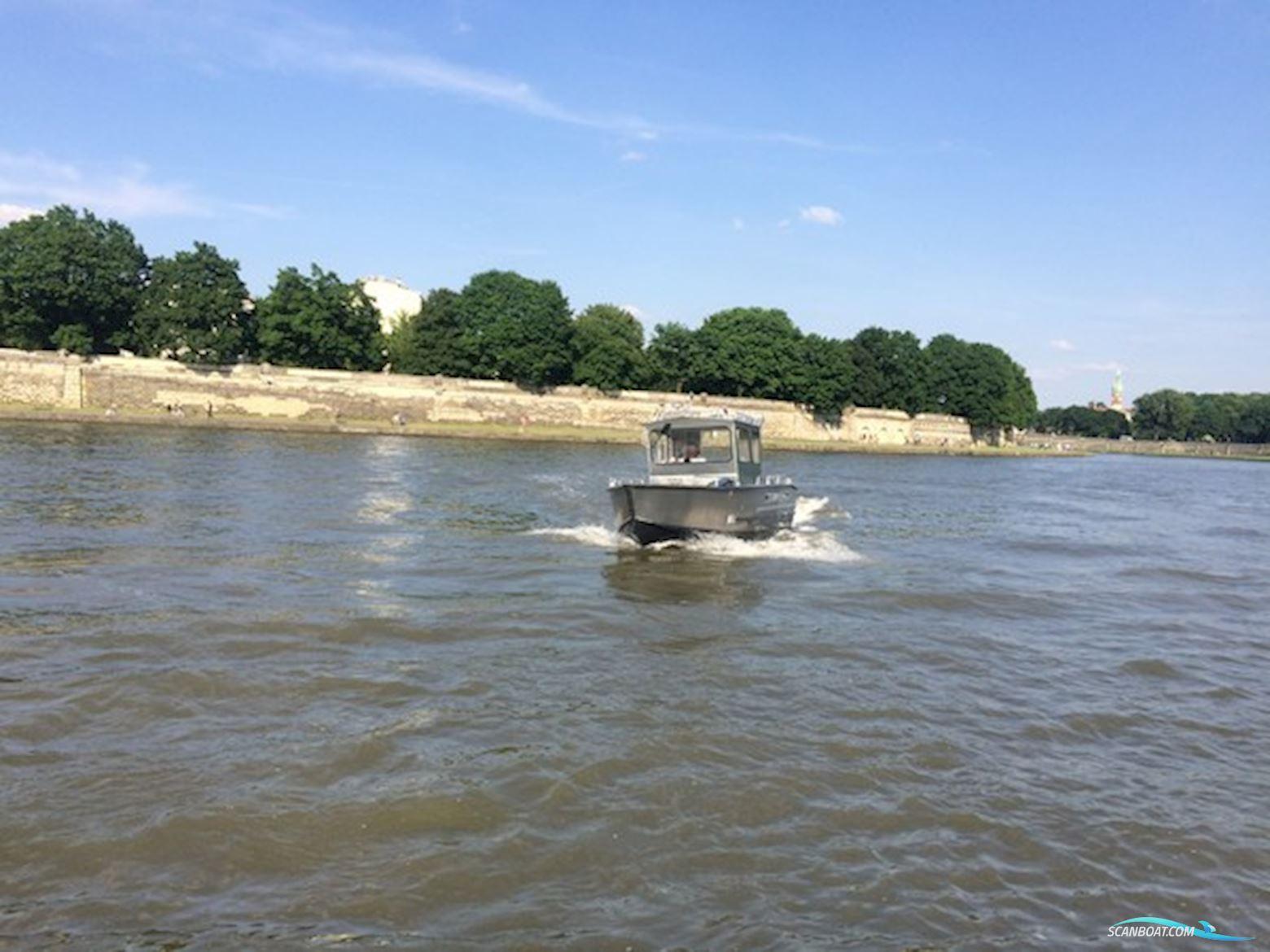 MS C690 Fishing
