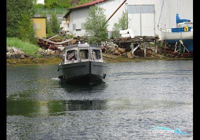 Motor boat MS C690