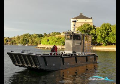 Motor boat MS Sea Truck 12 Lifted Cabin