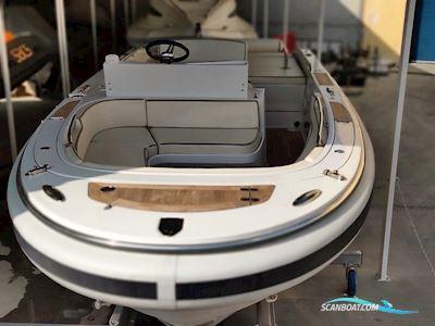 Motor boat Novurania Chase 19