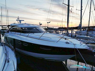 Motor boat Princess V52