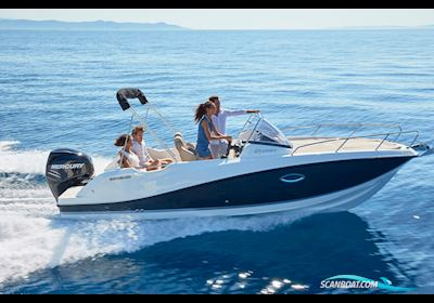 Motor boat Quicksilver Activ 675 Sundeck