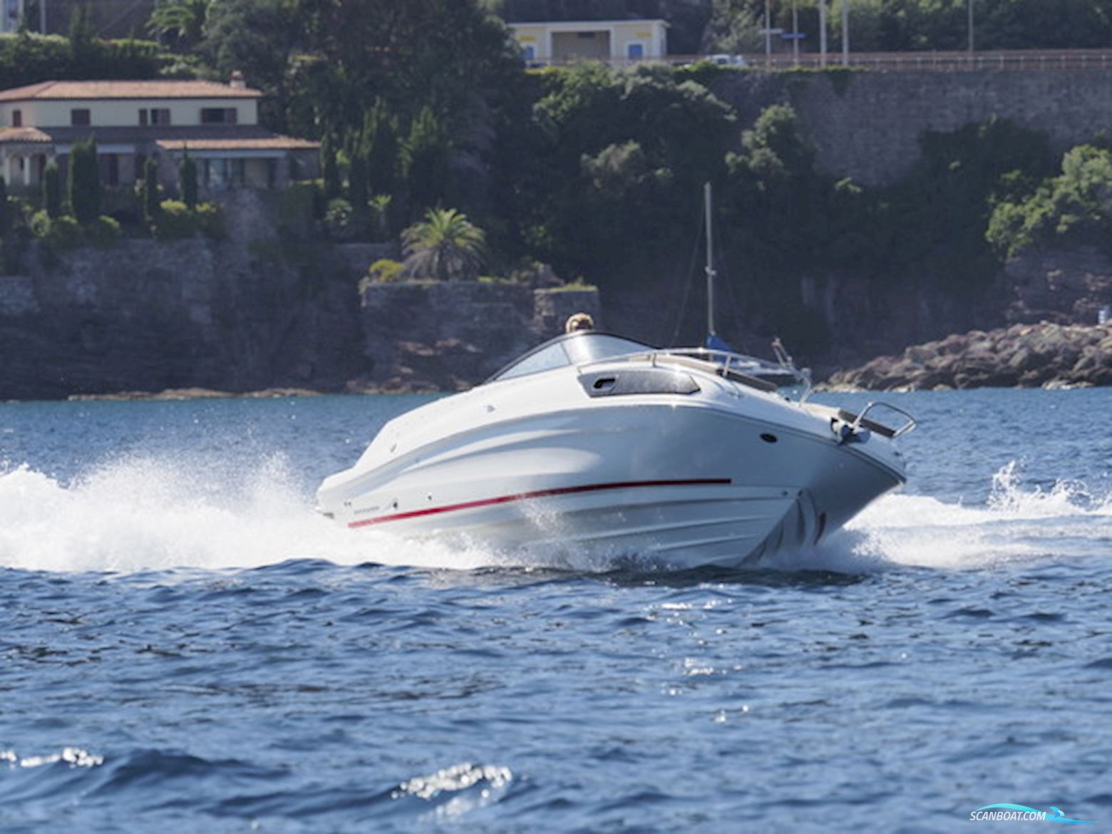 Bayliner VR6 Cuddy med MerCruiser 4.5L MPI 250hk,  Alpha One