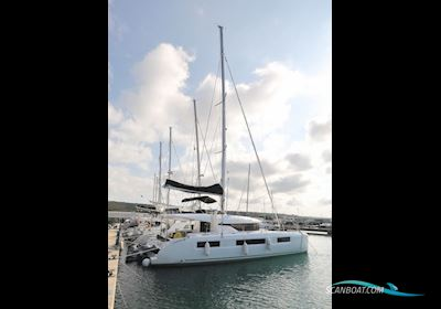 Multi hull boat Lagoon 50