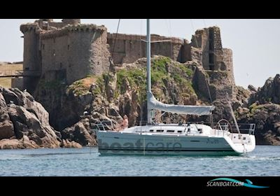 Sailing boat Beneteau First 35