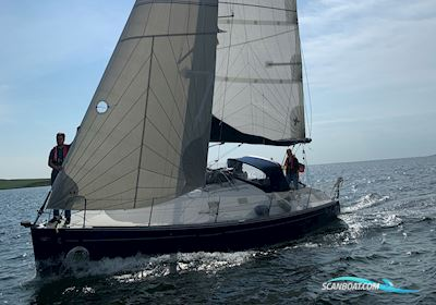 Sailing boat First 31.7