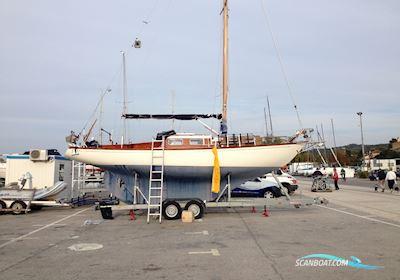 Sailing boat Hallberg Rassy P-28