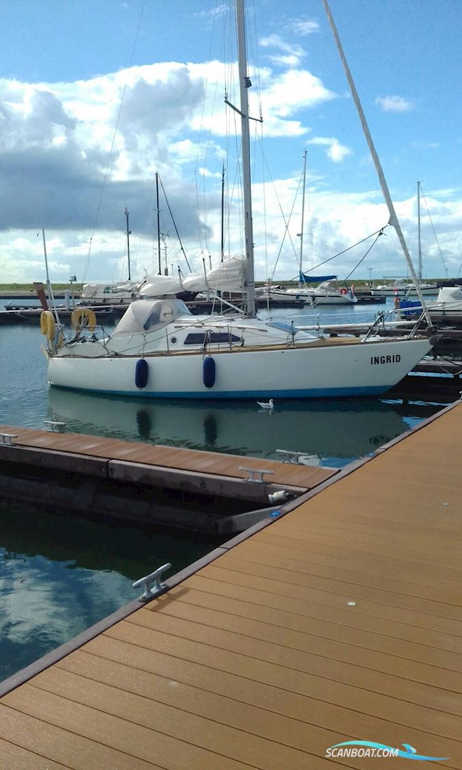 Kievit 820, Modern Lay-Out, New Sails, Completely Rebuild, Very Fast And Comfortable, Complies With Isaf II