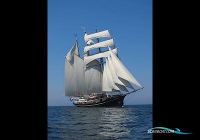 Sailing boat Tallship 3-Mast Topsail Schooner