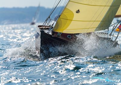 Holzsegelboot - Sloop