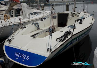 Segelboot Banner 28 Racer MK2
