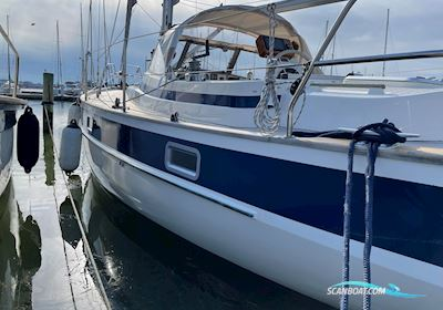 Sejlbåd Hallberg Rassy 352